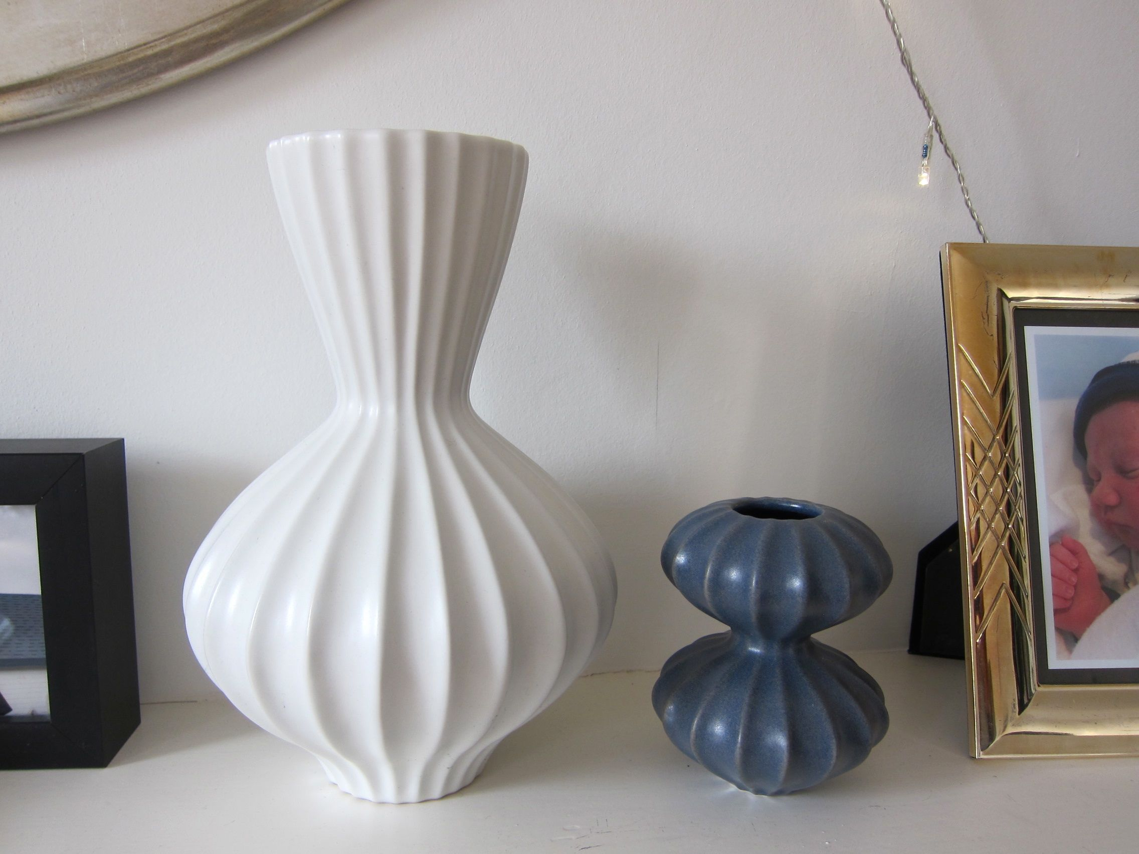 Second hand find 2 x green jonathan adler vases mette bassett i used to own only two adler vases a blue and a white the blue one i dont think is in production anymore and i bought it on sale in the shop reviewsmspy