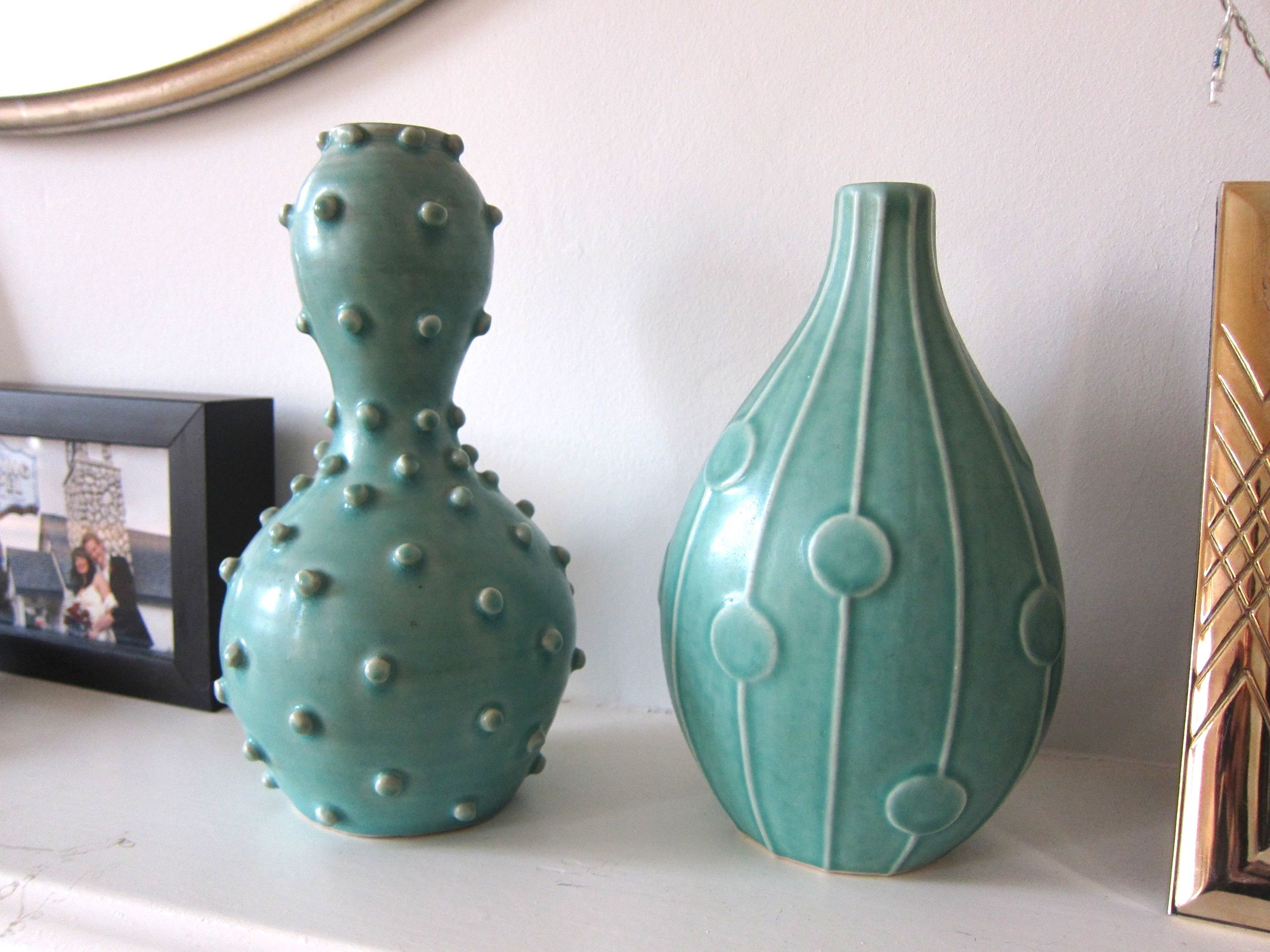 Second hand find 2 x green jonathan adler vases mette bassett advertisements reviewsmspy
