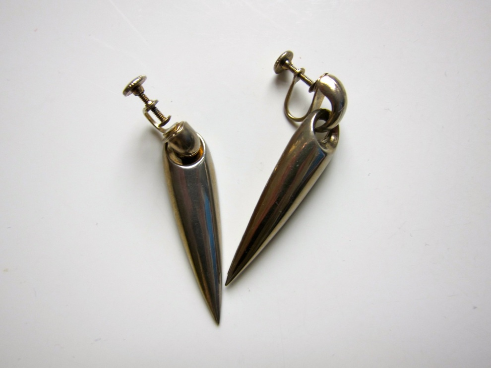pointy earrings